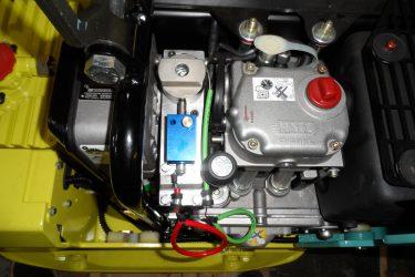 Ammann APH 5030 Compactor Valve Installation Engine View