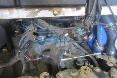 Bobcat S70 Skidsteer Valve installation Engine View