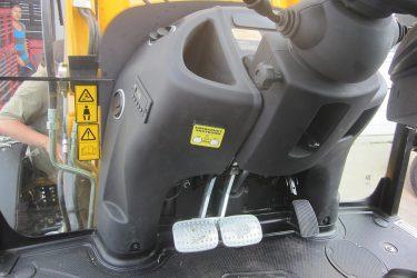 JCB 3CX Eco Backhoe Dash Control Installation