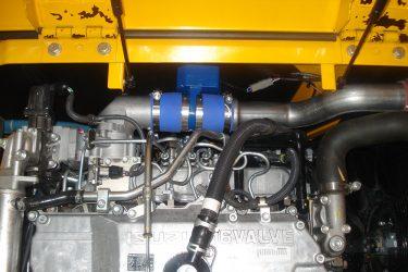 JCB JS220 Excavator Valve Installation Engine View