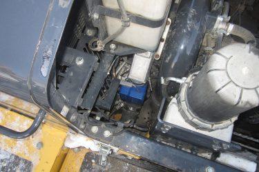 Komatsu PC490-LC Excavator Valve Installation Engine View