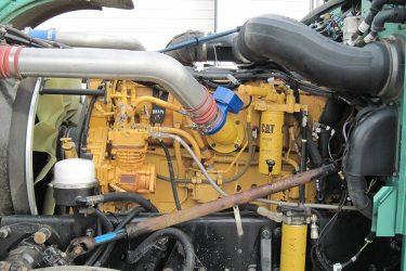 Peterbilt Cat C15 Valve Installation Engine View
