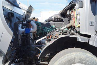 Volvo D16 Valve Installation Engine View